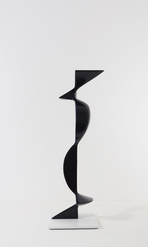 Komposition 65, 2018, Holz (Fichte), lasiert, 74x26x21 cm